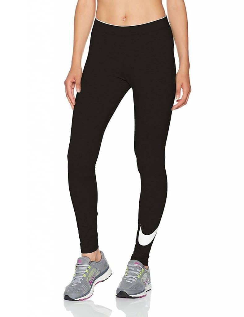 Y como no podía ser la prestigiosa marca Nike también tiene sus modelos en Amazon, las Mallas Fitness Nike tienen muy buen precio en Amazon no puedes escapar esta oportunidad.