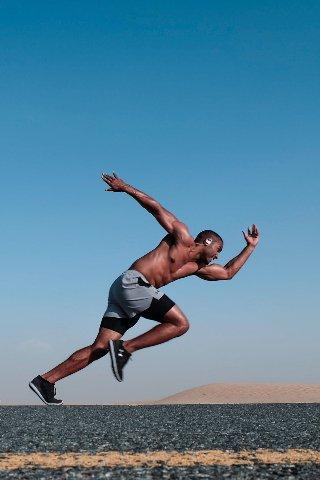 CrossFit y sus grandes motivaciones utiliza tres estándares o modelos diferentes para evaluar y orientar la aptitud
